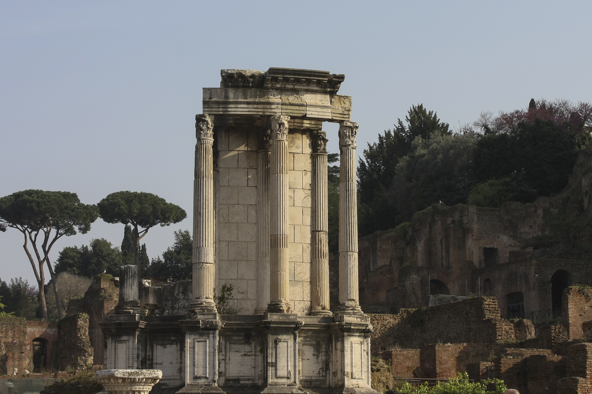 the temple of vesta Temple of vesta, rome, italy 61 likes the temple of vesta is an ancient edifice in rome, italy, located in the roman forum near the regia and the house.