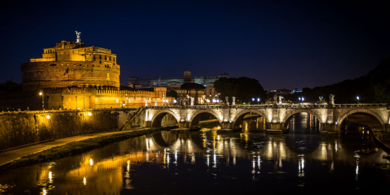 Mausoleo di Adriano di sera